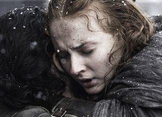 Sansa abraçada a Jon Snow
