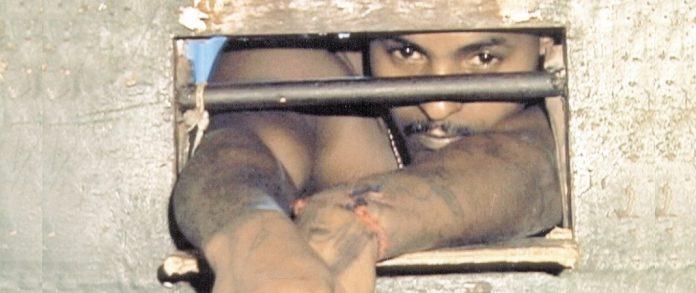 Documentário O Prisioneiro da Grade de Ferro também traz de volta o fantasma do Carandiru - mas do ponto de vista dos presos
