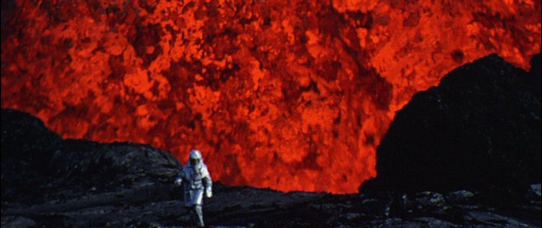 vulcanologista trabalhando