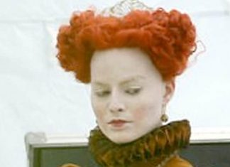 Margot Robbie irreconhecível na maquiagem de Mary Queen of Scots