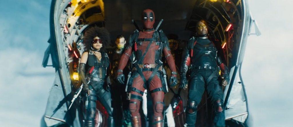 Deadpool e a X-Force no avião em cena do filme