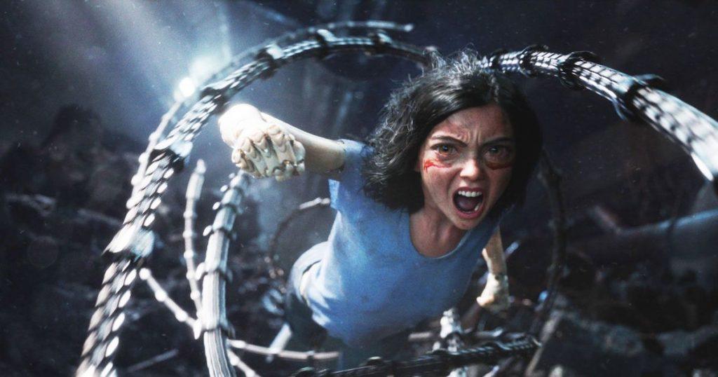 cena de Alita: Anjo de Combate com a protagonista em ação