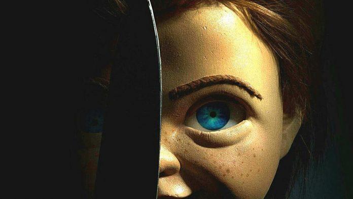poster de brinquedo assassino com boneco chucky
