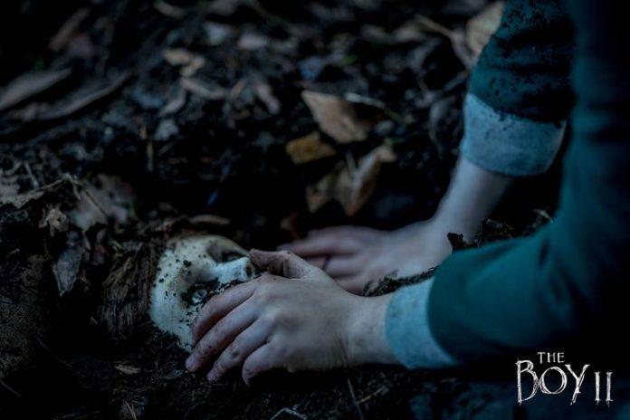 cena do filme de terror boneco do mal 2