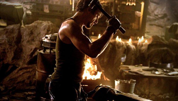 homem de ferro 2008 robert downey jr tony stark na caverna