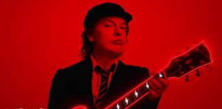 ac/dc power up shot in the dark videoclipe