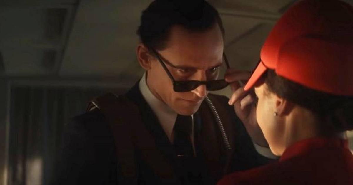 Loki no avião, remetendo ao caso D. B. Cooper