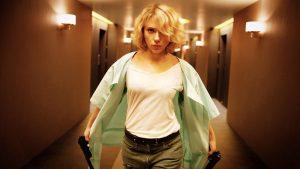 Scarlett no filme Lucy