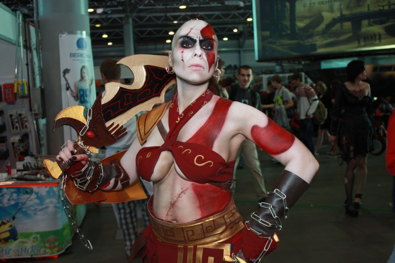 Kratos cosplayer from god of war knows how to deepthroat - 4 2