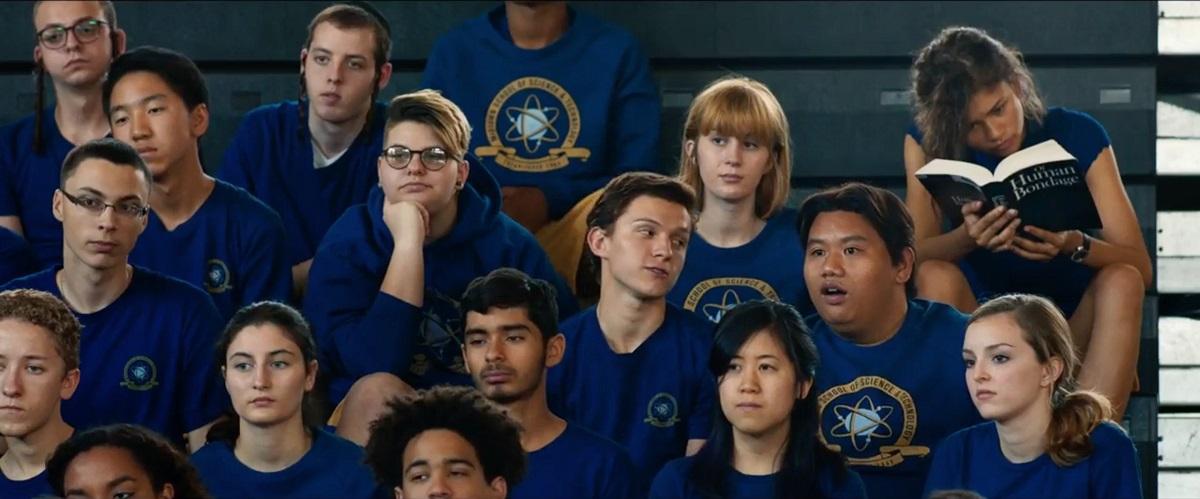 os alunos Peter, Ned e Michelle em Homem-Aranha: De Volta ao Lar