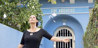 Sonia Braga em cena de Aquarius kleber mendonça filho | lista filmes no telecine