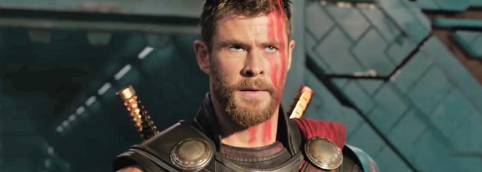 Chris Hemsworth na arena de gladiadores de Sakaar em Thor: Ragnarok