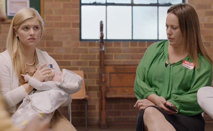duas mães do grupo de apoio mostrado na série