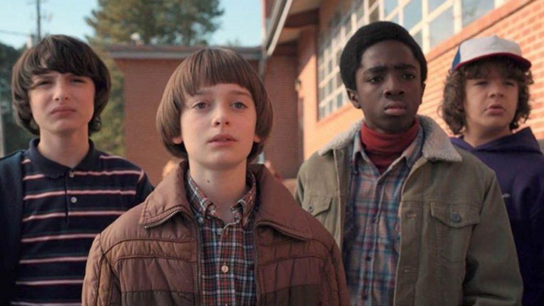 elenco de Stranger Things em foto da série
