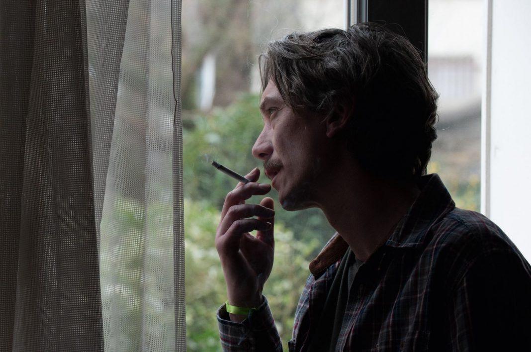 Depois de passar pelo Festival de Cannes, Swann Arlaud vem ao Brasil para o Festival Varilux de Cinema Francês